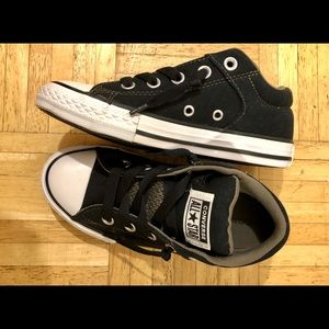 Boys CONVERSE All Star sneakers shoes. Black. Sz 1